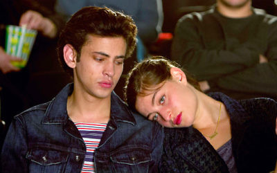 Les personnages Naomi (Danielle Kitzis) et Eyad (Tawfeek Barhom) se fréquentent en secret dans Aravim Rokdim. (Courtoisie Aravim Rokdim)