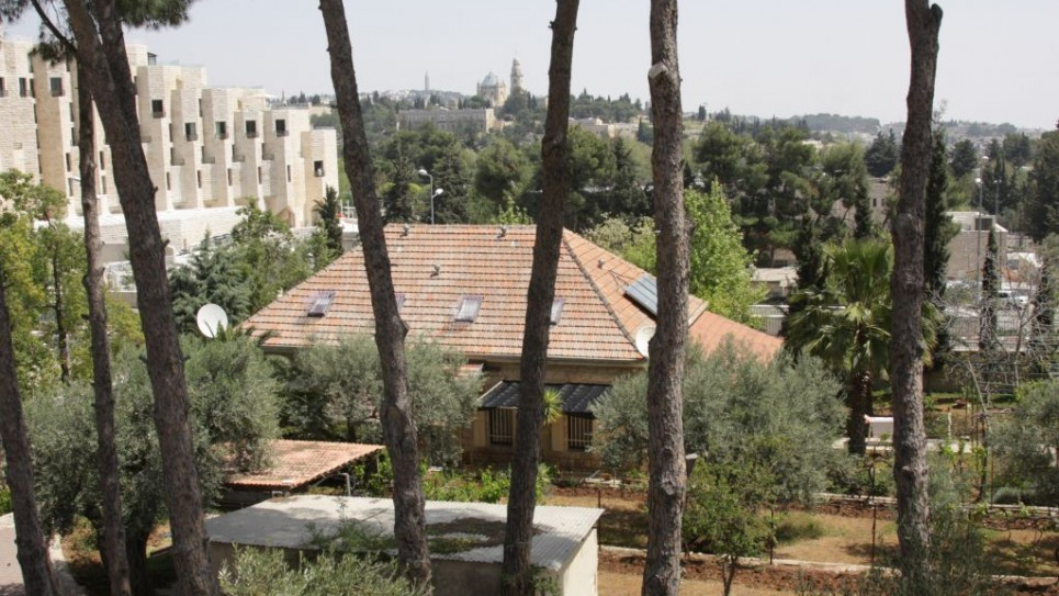 La petite maison au coeur du monastère des Capucins à Jérusalem (Crédit : Shmuel Bar-Am)