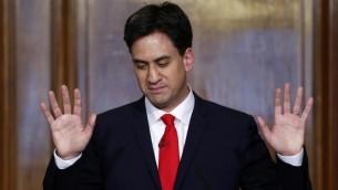 Le leader du Parti travailliste Ed Miliband parle lors d'une conférence de presse au centre de Londres, le 8 mai 2015, un jour après que son parti ait été battu lors de l'élection générale britannique  (Photo: Justin Tallis / AFP)