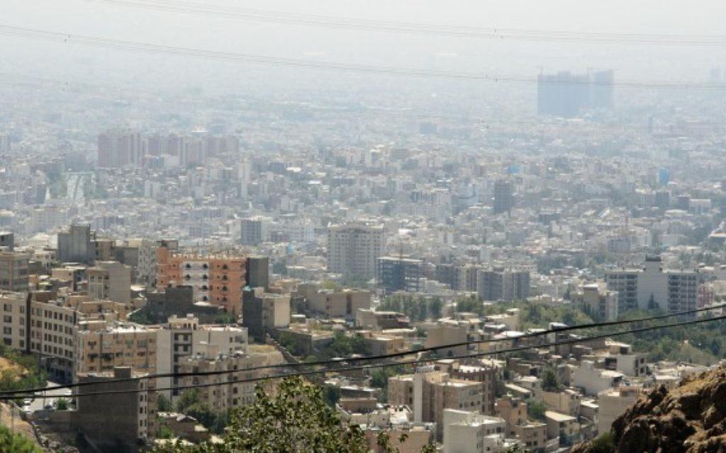 Une vue de Téhéran (Crédit : CC BY Kamyar Adl/Flickr)