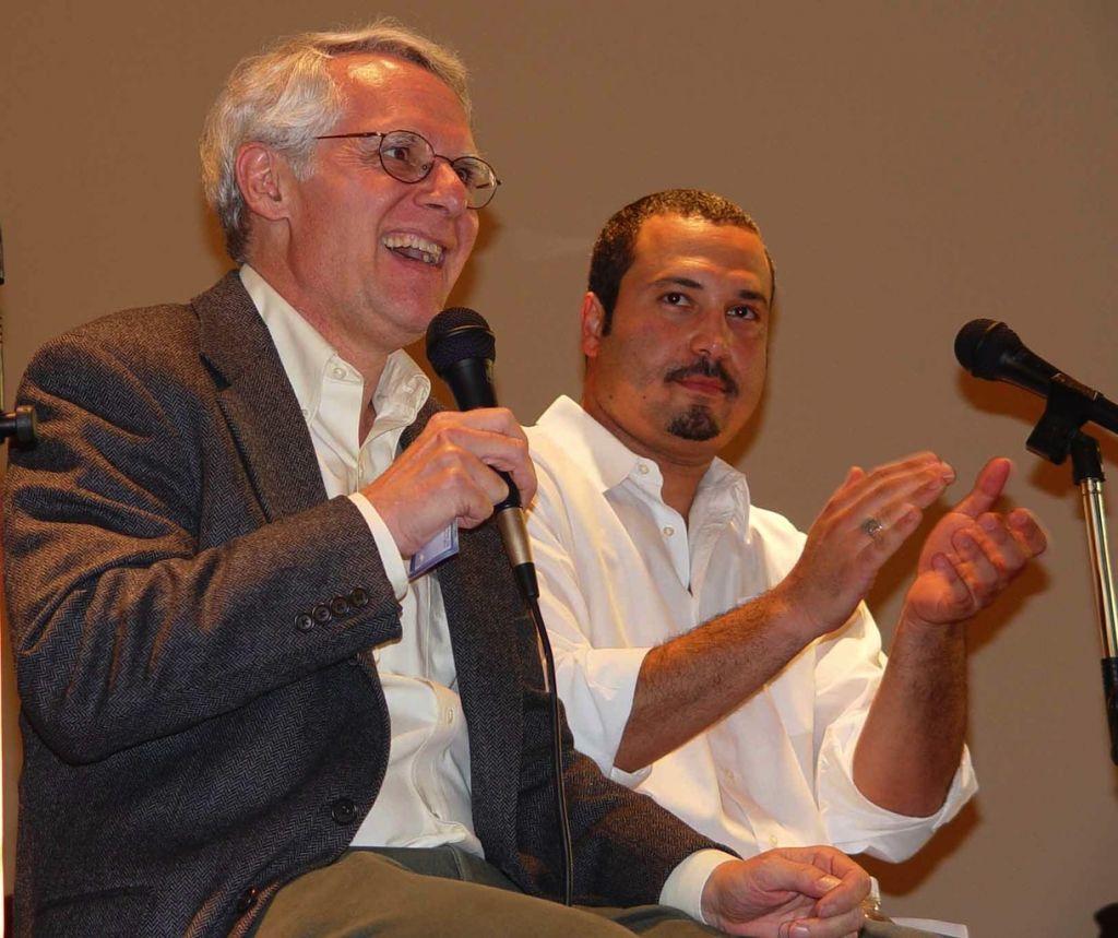 La camaraderie de Rabbi Bob Alper et Ahmed Ahmed ne prend pas fin sur scène. Les deux sont des amis dans la vraie vie, qui aiment simplement passer du temps ensemble. (DR)