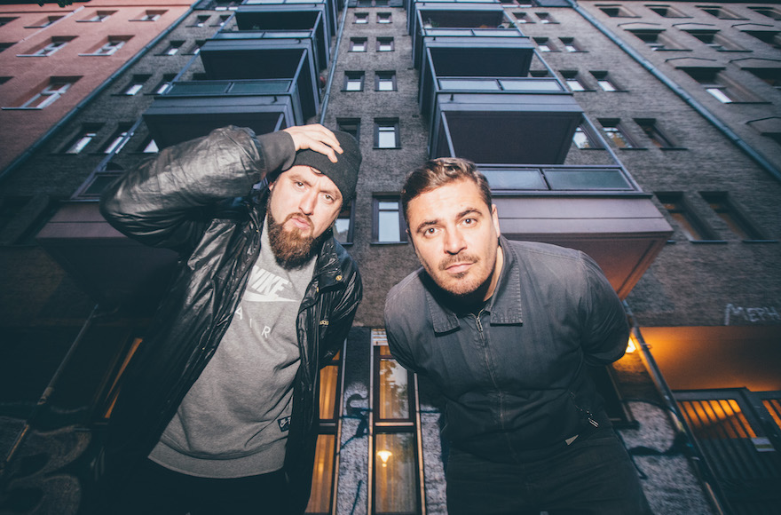 Les DJ hip hop Beathoavenz de Berlin montreront leurs compétences au Kuli Alma club de Tel-Aviv. (Crédits : Autorisation des artistes via JTA)