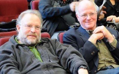 Jerry Greenfield, à gauche, et Ben Cohen, les fondateurs de Ben & Jerry, en 2010. (Wikimedia Commons)