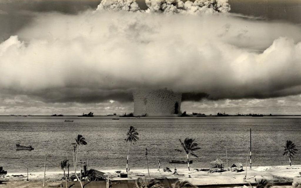 L'essai nucléaire sur l'atoll de Bikini, le 24 juillet 1946. (US Department of Defense / Wikimedia Commons)