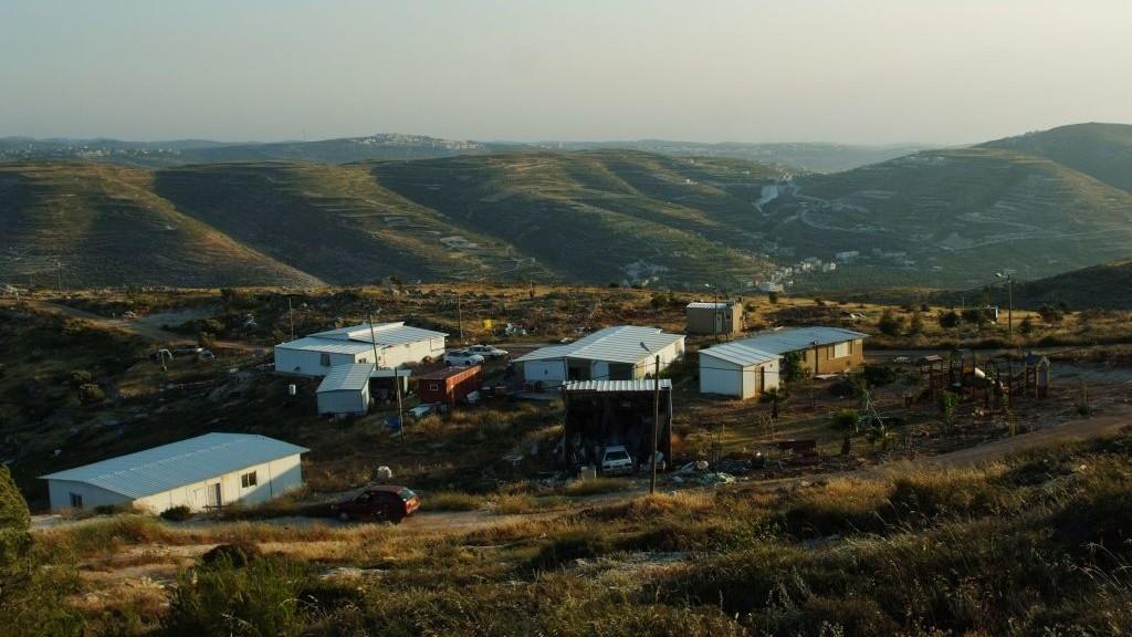 Coucher du soleil à Yitzhar (Crédit : Mandy Hechtman / Flash90)