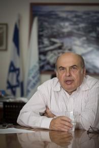 Natan Sharansky, chef de l'Agence juive à son bureau à Jérusalem le 22 septembre 2014 (Crédit : Flash90)