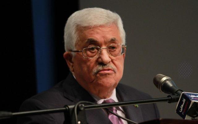 Le président de l'Autorité palestinienne Mahmoud Abbas, le 4 janvier 2015 (Crédit : Flash90)