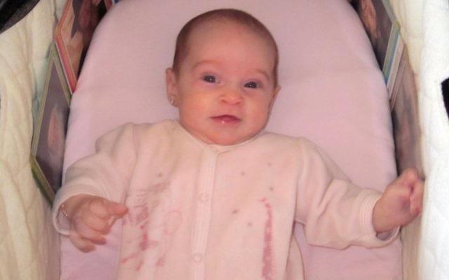 Chaya Zissel Braun, le bébé de 3 mois qui a été tuée dans une attaque terroriste à Jérusalem le 22 octobre 2014 (Crédit : Capture d'écran Deuxième chaîne)