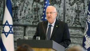 Reuven Rivlin rencontre les démocrates de la Chambre des Représentants à sa résidence le 5 août 2015 (Crédit : Mark Neyman / GPO)