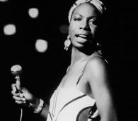 Nina Simone, en concert en 1964 (Crédit : Getty Images/ via JTA)