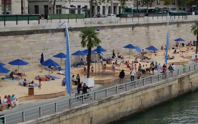 Crédit Wikipédia : Paris plage : CC BY-SA 3.0
