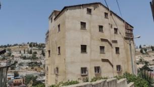 Un bâtiment dans le quartier de Silwan à Jérusalem Est dans lequel se sont installés des Juifs, qui prétendent qu'il appartenait à des immigrants juifs  du Yémen (Crédit : La Paix Maintenant)