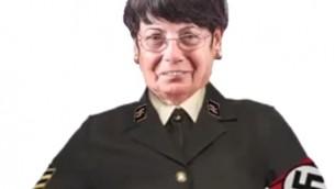 La présidente de la Cour suprême Miriam Naor en costume nazi (Crédit : Capture d'écran YouTube)