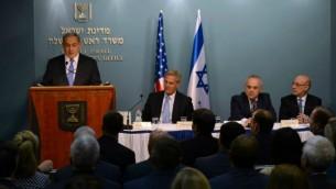 Le Premier ministre Benjamin Netanyahu reçoit des membres républicains du Congrès, le 12 août 2015 à Jérusalem (Crédit photo: Haim Zach / GPO)