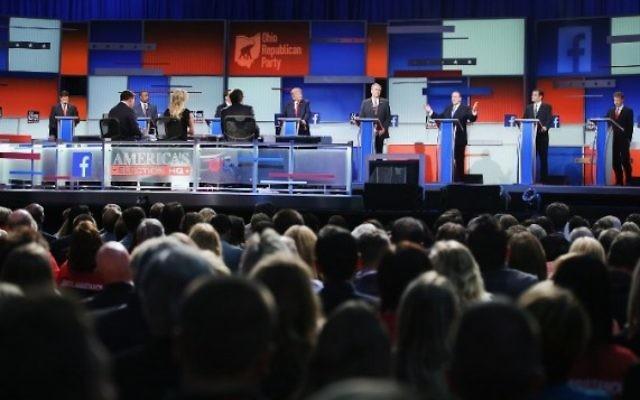 Les candidats aux primaires du parti républicain pour l'éléction présidentielle de 2016 participent au premier débat organisé par Fox News et Facebook le 6 août 2015 à Cleveland, Ohio (Crédit photo: Scott Olson / Getty Images / AFP)