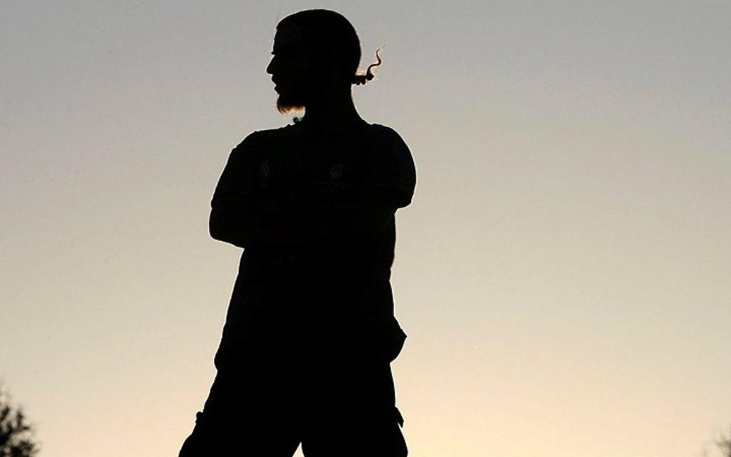 Photo illustrative d'un activiste juif d'extrême-droite en Cisjordanie, le 27 juillet 2009  (Omer Messinger / Flash90)