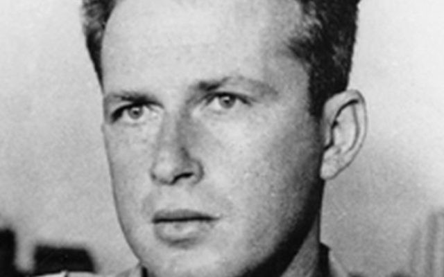Yitzhak Rabin en 1948 (Crédit photo: Palmach, Wikimedia Commons)