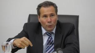 Alberto Nisman pendant une conférence de presse à Buenos Aires, le 20 mai 2009. (Crédit : Juan Mabromata/AFP)