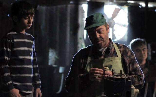 Scène du film Baba Joon réalisé par le réalisateur israélo-iranien, Yuval Delshad (Crédit : Capture d'écran YouTube / Yuval Delshad)