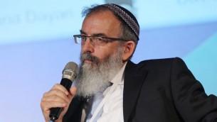 Le rabbin David Stav, co-fondateur et président de l'organisation rabbinique Tzohar., le 20 juin 2013 (Crédit : Flash 90, File)