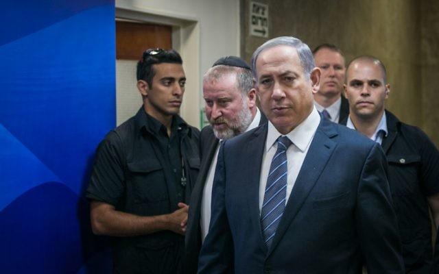 Benjamin Netanyahu à la conférence de son cabinet ministériel à Jérusalem le 6 Septembre 2015. (Photo byOhad Zwigenberg/POOL)