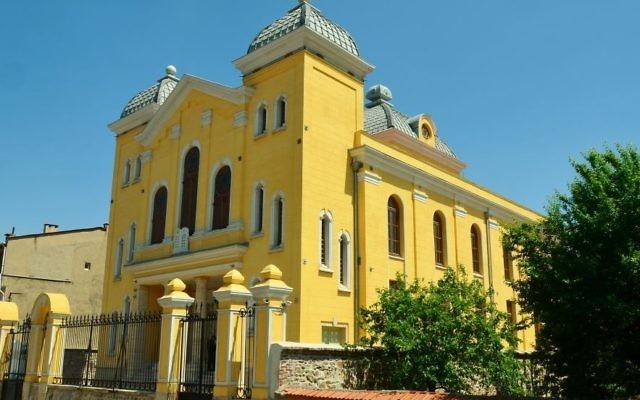 La Grande Synagogue d'Erdine, Turquie (Crédit : CC-BY-SA CeeGee / Wikimedia Commons)