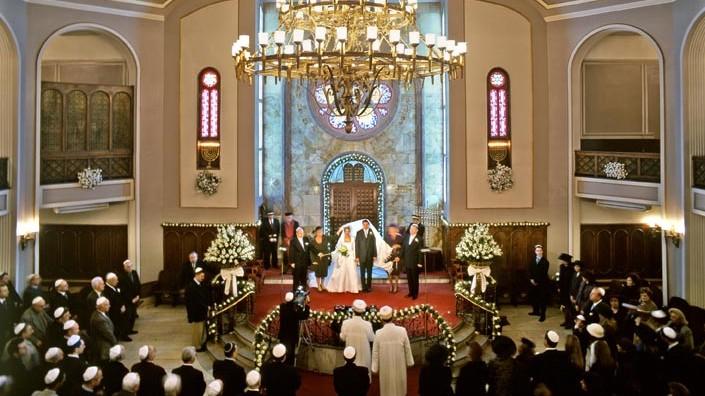 Un mariage juif à la synagogue Neve Shalom à Istanbul, Turquie. (Crédit : Avec l'aimable autorisation de la communauté juive turque )