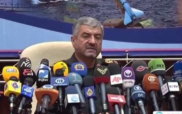 Le commandant des Gardiens de la Révolution iranienne, le général Mohammad Ali Jafari. (Crédit : capture d'écran YouTube/Press TV)