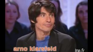 Crédit : Capture d'écran YouTube/ Arno Klarsfeld face à Robert Ménard - Archive INA