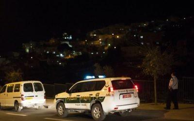 Illustration d'une voiture de police à Jérusalem, novembre 2013 (Crédit photo : Yonatan Sindel/Flash 90)