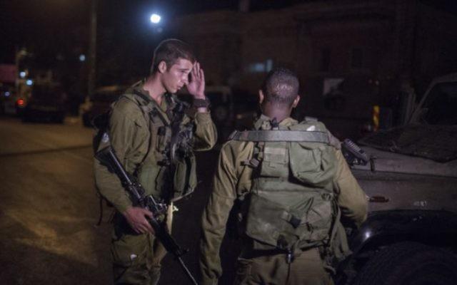 Photo illustrative de soldats de Tsahal à un poste militaire à Beit Jala, dans les environs de Jérusalem (Crédit photo: Hadas Parush / Flash90)
