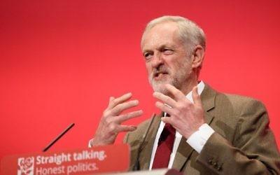 Le leader du parti travailliste, Jeremy Corbyn, pendant son discours le troisième jour de la conférence annuelle du parti travailliste à Brighton, dans le sud de l'Angleterre, le 29 septembre 2015. (Crédit : AFP / LEON NEAL)