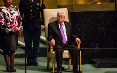 Le président de l'Autorité palestinienne Mahmoud Abbas attend de prendre la parole à l'Assemblée générale des Nations unies le 30 septembre 2015 New York City (Andrew Burton / Getty Images / AFP)