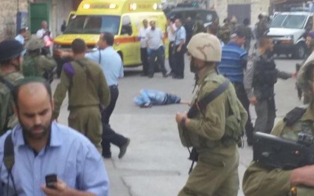 Les lieux où un attentat au couteau a été déjoué à Hébron le 26 octobre 2015 (Crédit : Facebook)