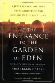 "Couverture du livre : ""At the Entrance to the Garden of Eden"""