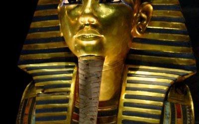 Masque funéraire en or de Toutânkhamon (CC Wikipedia - musée égyptien du Caire).