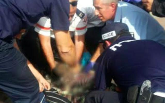 Scène à Ammunition Hill où un officier de police a été attaqué par une terroriste,, le 12 octobre 2015 (Crédit : police israélienne)