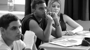 Des lycéens allemands sensibilisés à l'antisémitisme et au conflit israélo-palestinien lors d'un atelier Kiga (Crédit : Jirko Piberger)