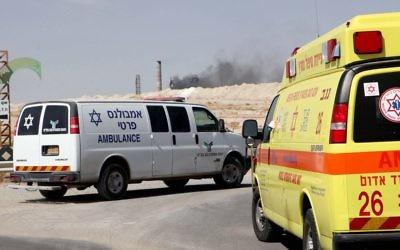 Ambulance israélienne à Dimona, le 10 juin 2015. Illustration.  (Crédit : Talucho/Flash90)