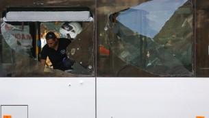 Le site d'une attaque terroriste dans le quartier Armon Hanatsiv de Jérusalem (Crédit : Yonatan Sindel / FLASH90)
