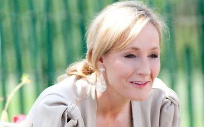 L'écrivain britannique JK Rowling en 2010 (PhotoL Daniel Ogren CC BY-SA Wikimedia Commons)