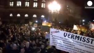 Rassemblement Pegida en Allemagne (Crédit : Capture d'acran YouTube/Euronews)
