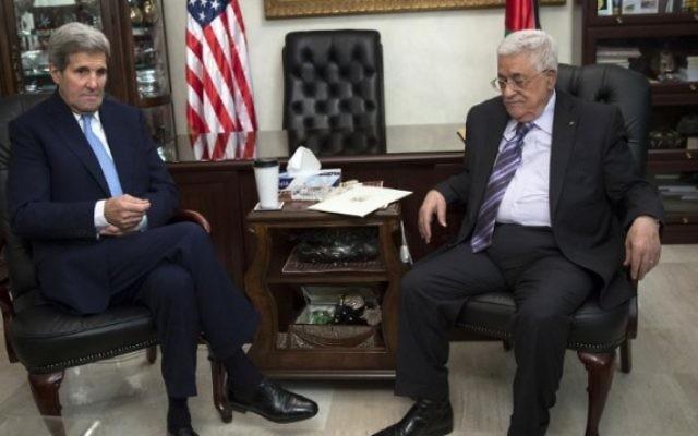 Le Secrétaire d'Etat américain John Kerry rencontre le président de l'AP Mahmoud Abbas à Amman le 24 octobre 2015 (Photo: Carlo Allegri / AFP / POOL)
