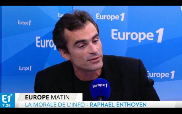 Raphael Enthoven dans l'ex-matinale de Thomas Sotto. (Crédit : Capture d'écran : Europe 1)