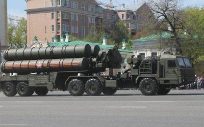 Le système de missiles anti-aériens S-400 déployé en Russie. Illustration. (Crédit : Соколрус/CC BY-SA/Wikimedia)