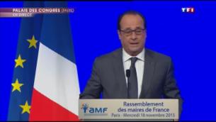 Capture d'écran François Hollande s'exprime devant es maires de France au Palais des Congrès (Crédit : TF1)