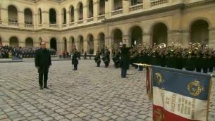 François Hollande à l'hommage national aux Invalides pour les attentats de Paris du 13 novembre 2015 (Crédit : capture d'écran AFP)