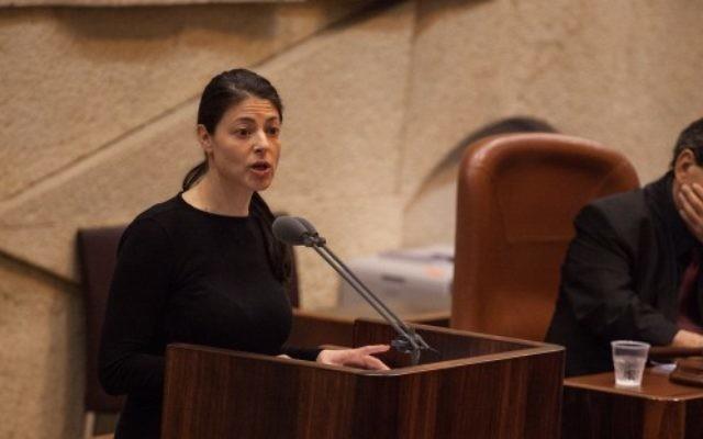 Merav Michaeli, députée de l'Union sioniste, à la Knesset, le 27 février 2013. (Crédit : Flash90)