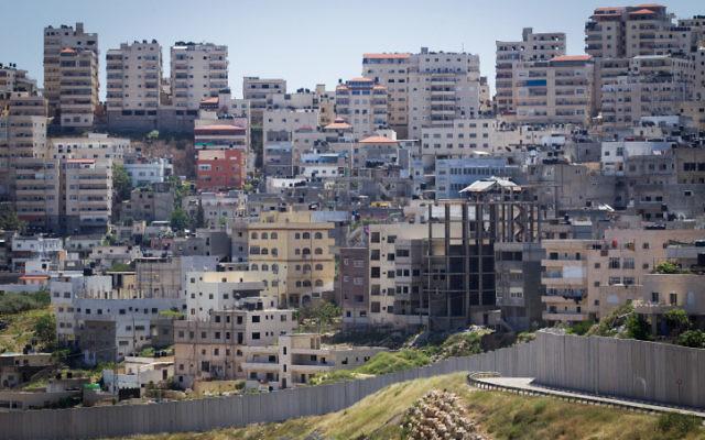 Le quartier de Shuafat, à Jérusalem Est. (Crédit : Miriam Alster/Flash90)