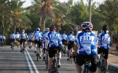 """FIDF """"Israel à deux roues"""" départ pour le Néguev Crédit : FIDF"""
